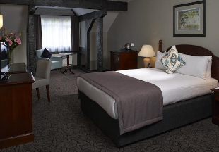 Country Hotels And Inns Near Airports Including Heathrow And Gatwick